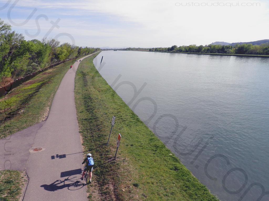 photographie prise le long de l'EuroVelo 17 près de La Roche-de-Glun