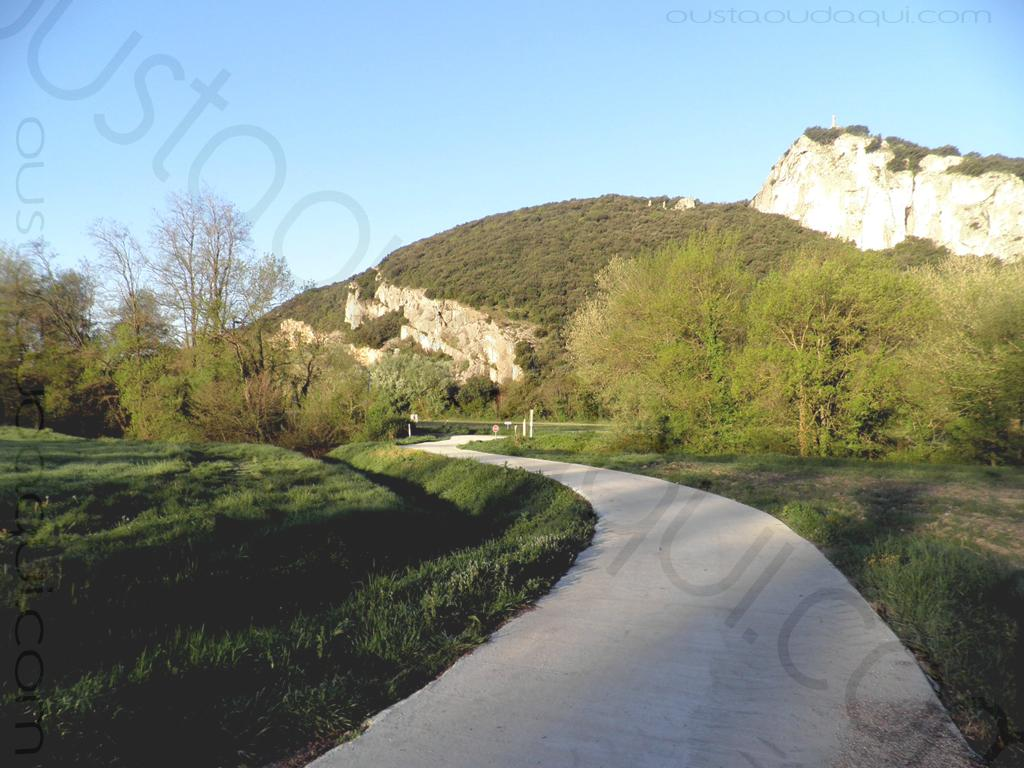 photographie prise le long de l'EuroVelo 17 près de Viviers