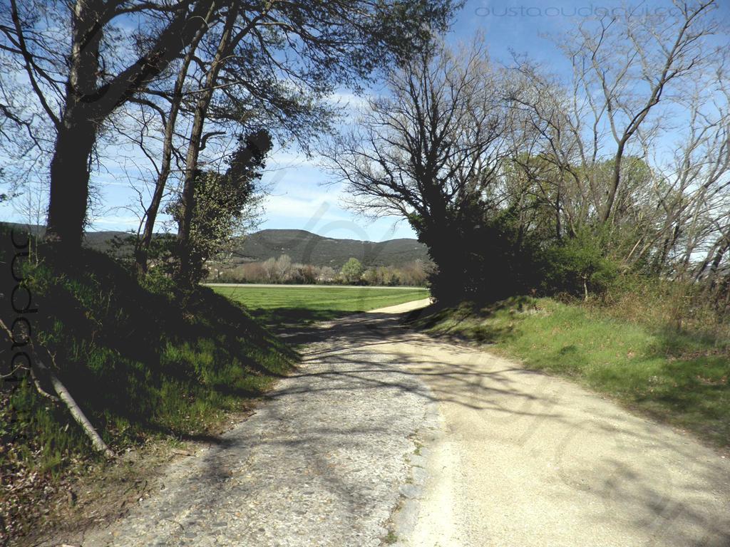 picture taken along the EuroVelo 17 near Pierrelatte