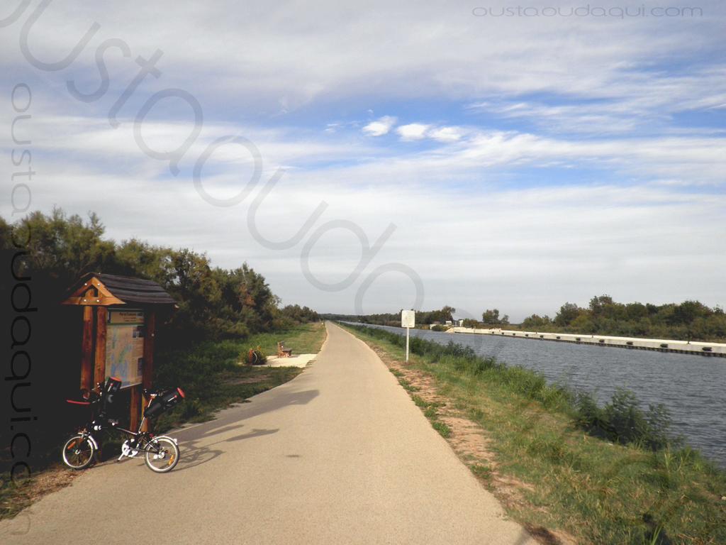 photographie prise le long de l'EuroVelo 8 & EuroVelo 17 (V60B): pont des Tourradons