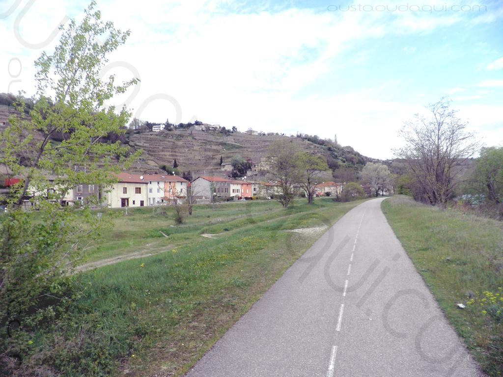 picture taken along the EuroVelo 17 near Saint-Michel-sur-Rhône
