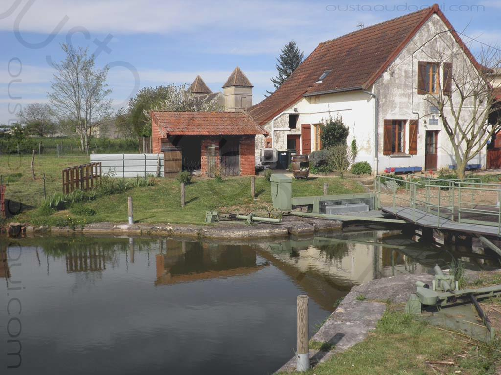 picture taken along the EuroVelo 6 near La Loyère