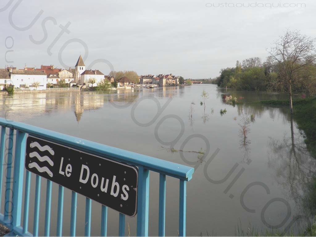picture taken along the EuroVelo 6 near Verdun-sur-le-Doubs