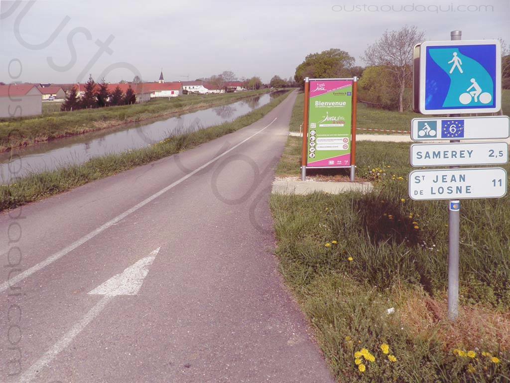 picture taken along the EuroVelo 6 near Samerey