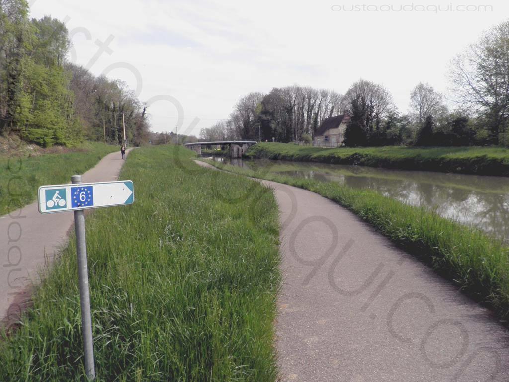 picture taken along the EuroVelo 6 near Dole
